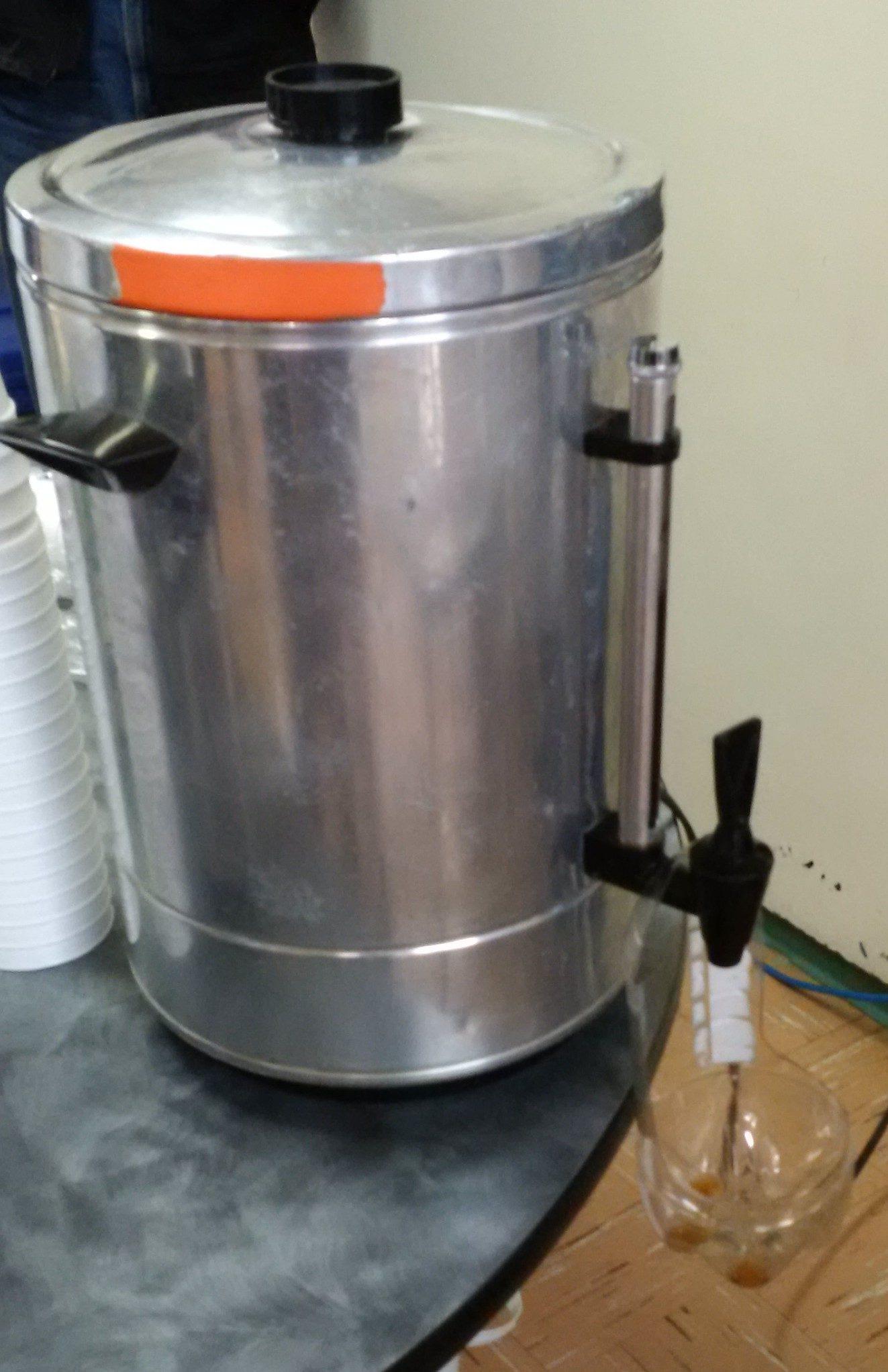Drip stop on coffee urn